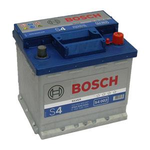 Автомобильный аккумулятор BOSCH S4 002 Silver 12V 52Ah 470A обратная полярность (0092S40020)